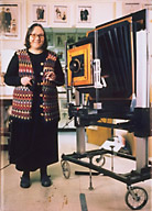 Elsa Dorfman in her studio, with Polaroid 20x24 camera (image from elsa.photo.net)